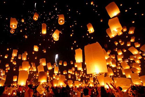 Thái lan hủy 150 chuyến bay để tránh lễ hội đèn lồng - 1