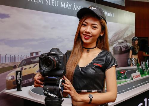 Canon 1d x mark ii về vn giá 129 triệu đồng - 1