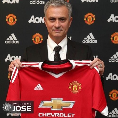 Chính thức chào mừng mourinho đến old trafford - 1