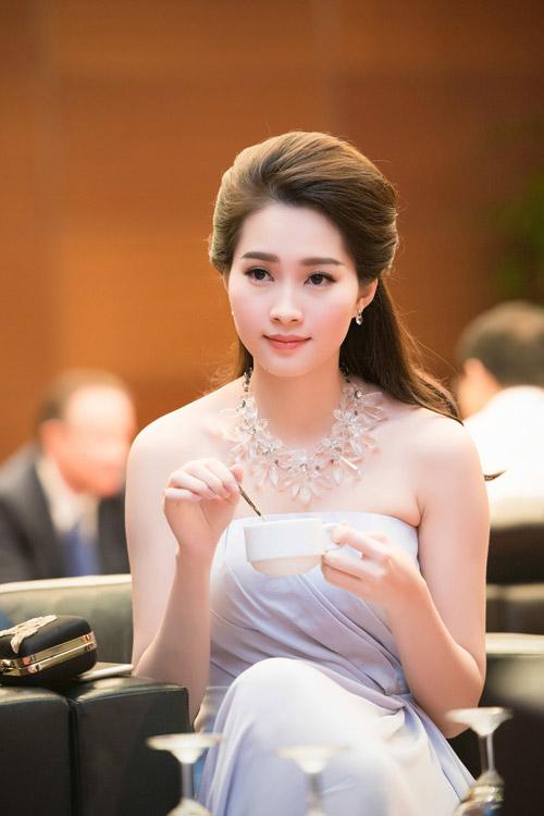 Chiêm ngưỡng vẻ đẹp - xinh như tiên nữ giáng trần của hoa hậu đặng thu thảo - 1