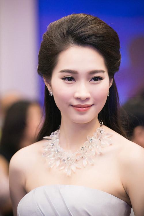 Chiêm ngưỡng vẻ đẹp - xinh như tiên nữ giáng trần của hoa hậu đặng thu thảo - 2
