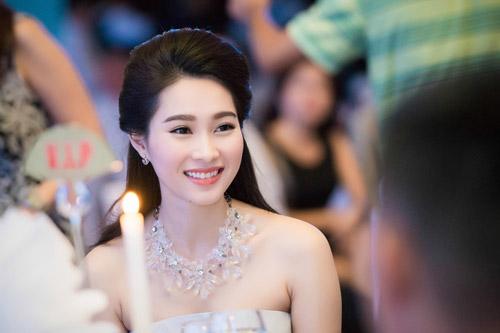 Chiêm ngưỡng vẻ đẹp - xinh như tiên nữ giáng trần của hoa hậu đặng thu thảo - 6