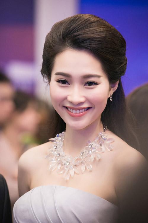 Chiêm ngưỡng vẻ đẹp - xinh như tiên nữ giáng trần của hoa hậu đặng thu thảo - 9