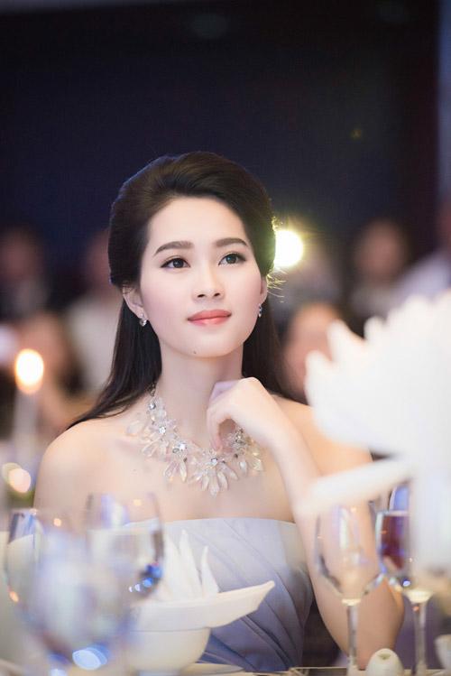 Chiêm ngưỡng vẻ đẹp - xinh như tiên nữ giáng trần của hoa hậu đặng thu thảo - 11