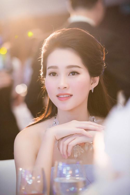 Chiêm ngưỡng vẻ đẹp - xinh như tiên nữ giáng trần của hoa hậu đặng thu thảo - 12