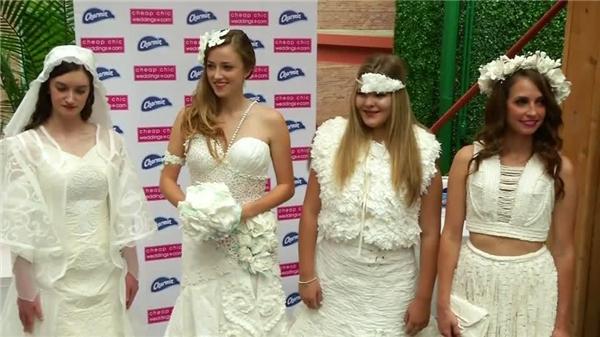 Ngạc nhiên tột độ khi biết những bộ váy cưới lộng lẫy được làm từ đâu - 2