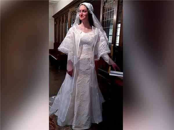 Ngạc nhiên tột độ khi biết những bộ váy cưới lộng lẫy được làm từ đâu - 9