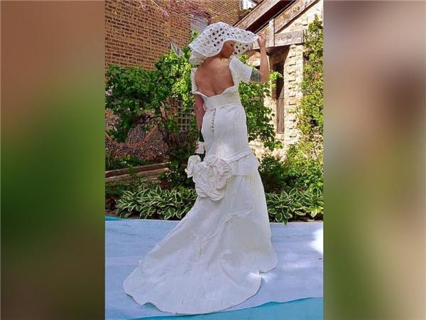 Ngạc nhiên tột độ khi biết những bộ váy cưới lộng lẫy được làm từ đâu - 10
