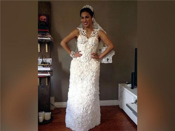 Ngạc nhiên tột độ khi biết những bộ váy cưới lộng lẫy được làm từ đâu - 12