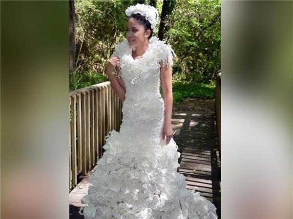 Ngạc nhiên tột độ khi biết những bộ váy cưới lộng lẫy được làm từ đâu - 14
