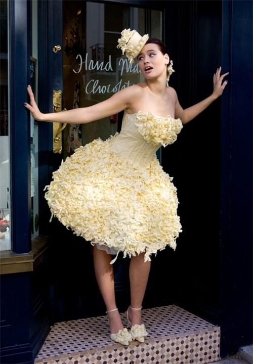 Những chiếc váy cưới điên rồ ai cũng lắc đầu ngán ngẩm - 4