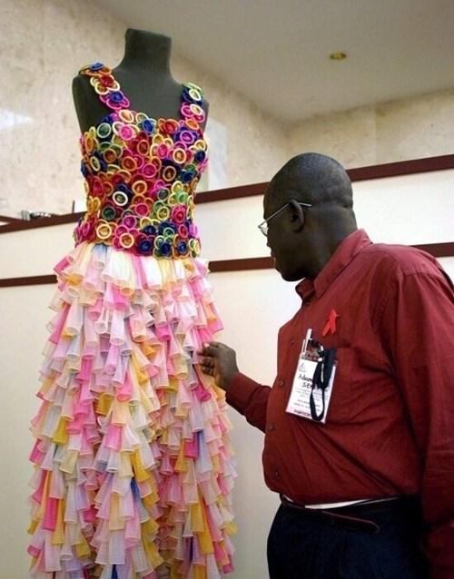 Những chiếc váy cưới điên rồ ai cũng lắc đầu ngán ngẩm - 9