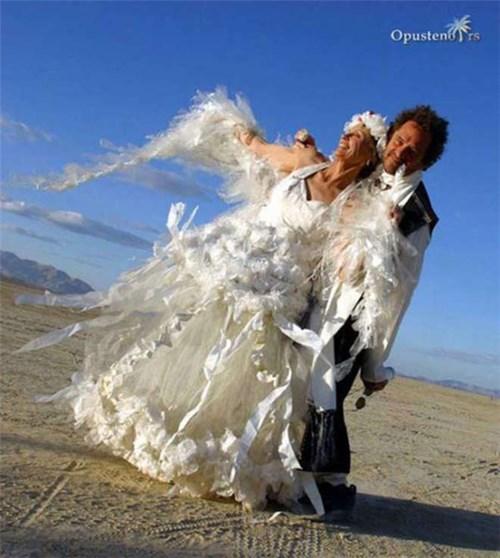Những chiếc váy cưới điên rồ ai cũng lắc đầu ngán ngẩm - 20