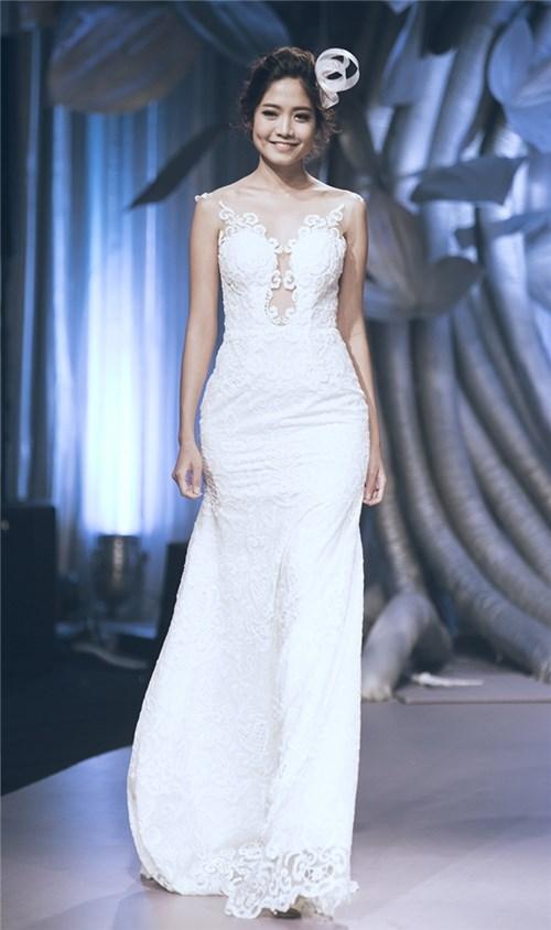 Những chiếc váy cưới khiến các cô gái muốn theo chàng về dinh - 1