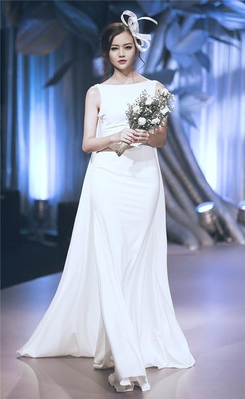 Những chiếc váy cưới khiến các cô gái muốn theo chàng về dinh - 18