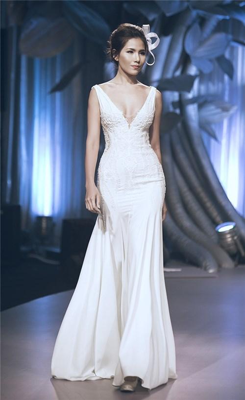 Những chiếc váy cưới khiến các cô gái muốn theo chàng về dinh - 19