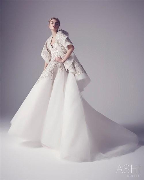 Những chiếc váy cưới này sẽ khiến các cô gái chỉ muốn cưới liền tay - 1