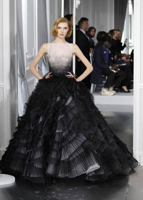 Những mẫu váy cưới đẹp đến ngạt thở khiến mọi cô gái phải ao ước - 20