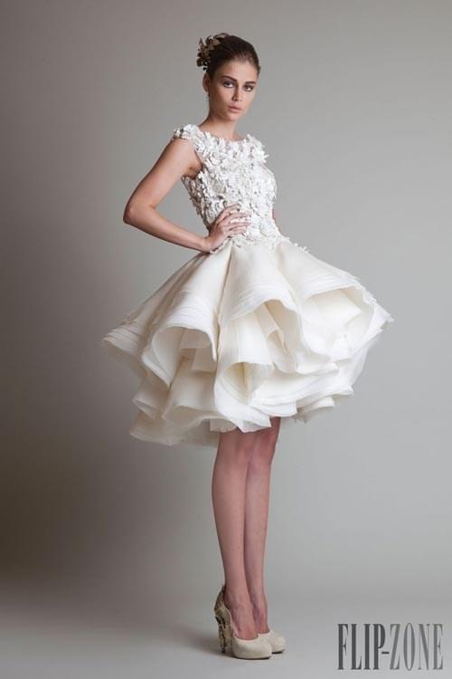 Những mẫu váy cưới đẹp đến ngạt thở khiến mọi cô gái phải ao ước - 34