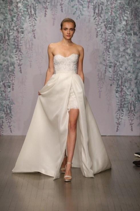 Những mẫu váy cưới đẹp đến ngạt thở khiến mọi cô gái phải ao ước - 52