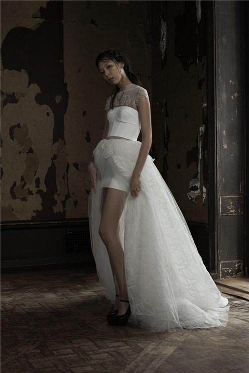 Những mẫu váy cưới đẹp đến ngạt thở khiến mọi cô gái phải ao ước - 53