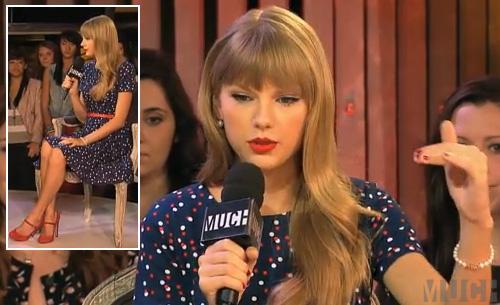 Taylor swift mê đắm họa tiết chấm bi - 5