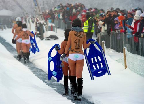 Thế giới nóng bỏng cùng các lễ hội khỏa thân - 1