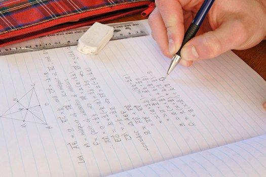 Trẻ tự kỷ thường học giỏi toán - 1
