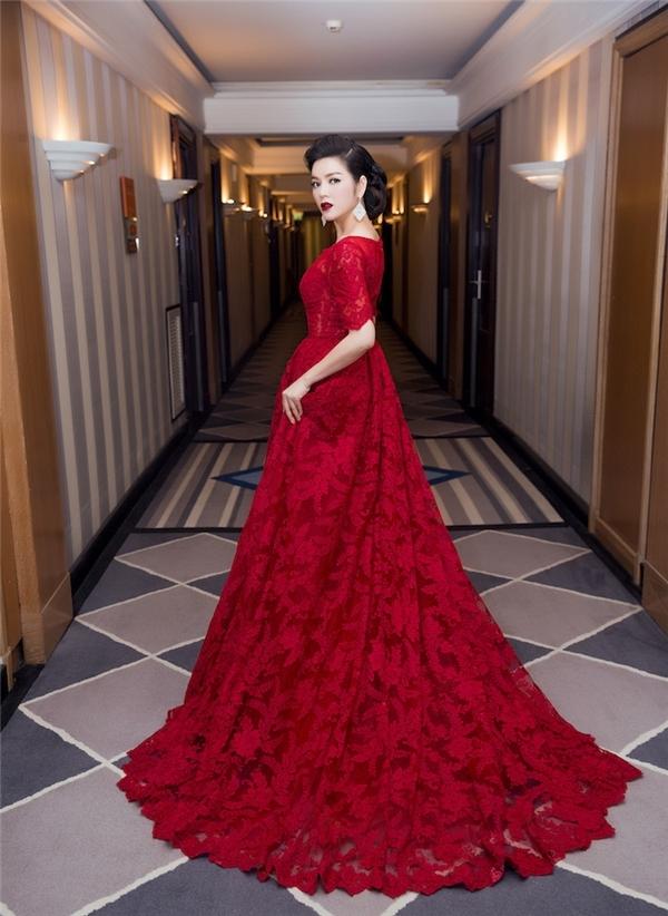Váy áo sao việt trên thảm đỏ quốc tế làm nức lòng khán giả quê nhà - 3