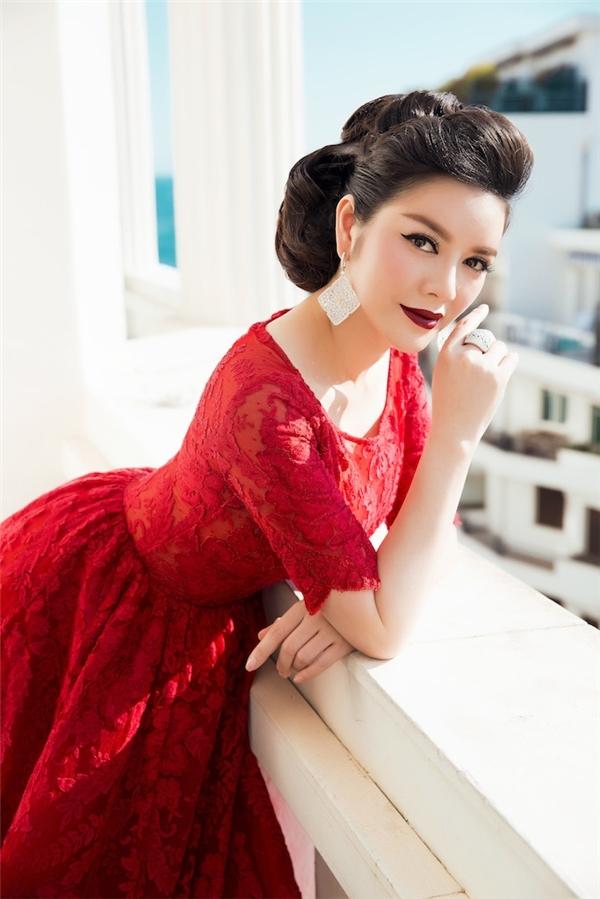 Váy áo sao việt trên thảm đỏ quốc tế làm nức lòng khán giả quê nhà - 4