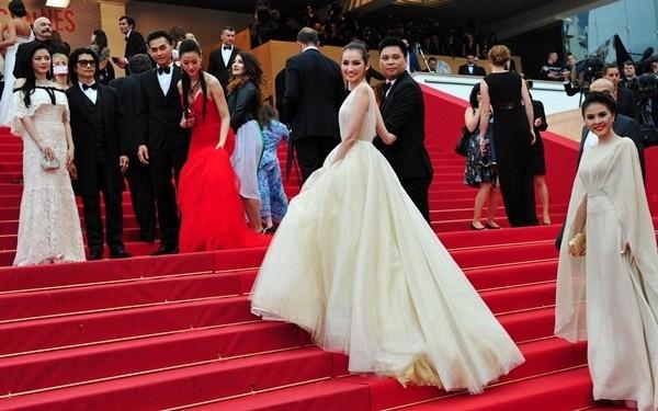 Váy áo sao việt trên thảm đỏ quốc tế làm nức lòng khán giả quê nhà - 12