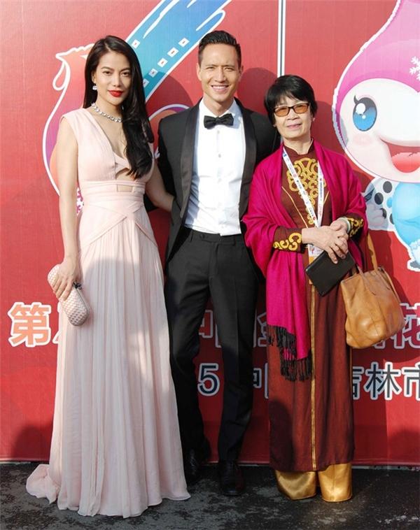 Váy áo sao việt trên thảm đỏ quốc tế làm nức lòng khán giả quê nhà - 16