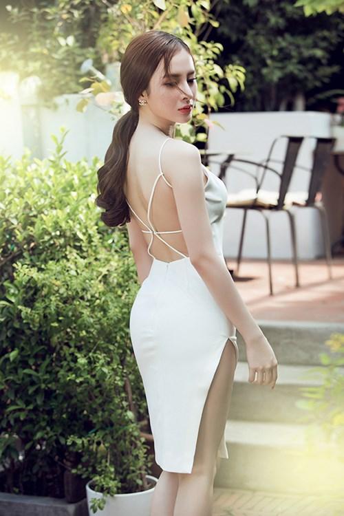 Angela phương trinh sexy khó cưỡng với váy xuyên thấu - 2