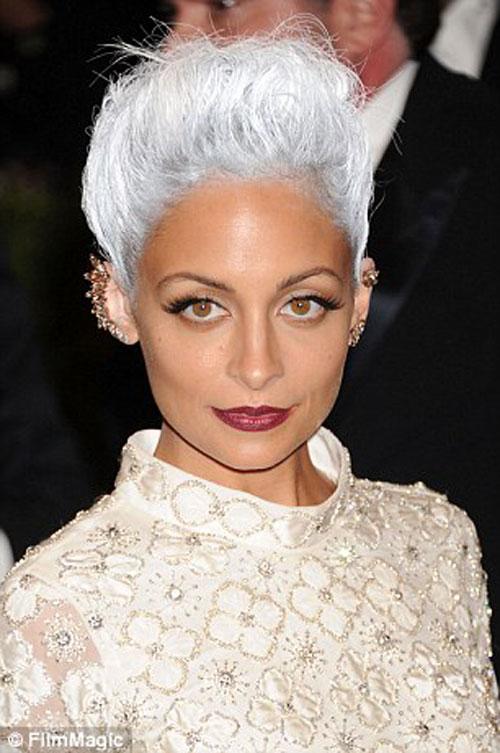 Dưới 30 tuổi bạn có dám nhuộm tóc bạc - 13