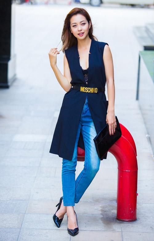 Jennifer phạm mặc quần jeans khoe vòng 3 cong tròn - 10