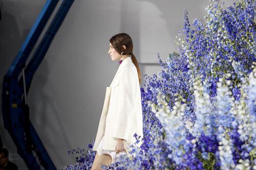 Mùa hoa oải hương ngập tràn sàn diễn dior - 4