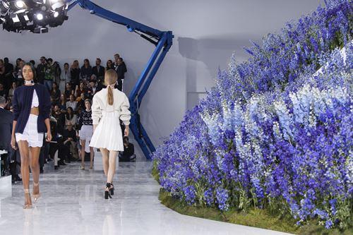 Mùa hoa oải hương ngập tràn sàn diễn dior - 10