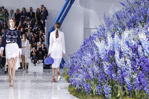 Mùa hoa oải hương ngập tràn sàn diễn dior - 11