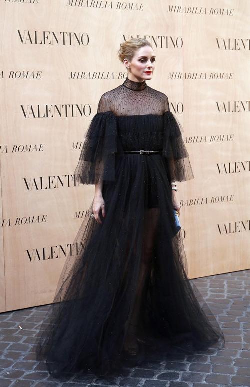 Ngắm 10 phụ nữ mặc đẹp nhất 2015 do vogue bình chọn - 1