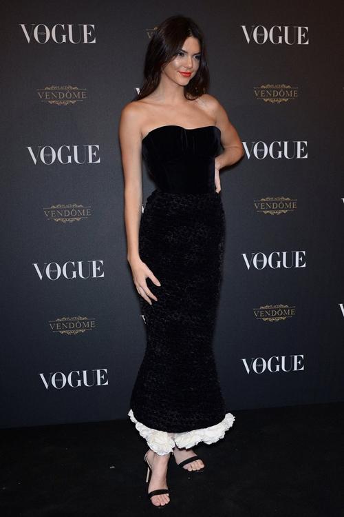 Ngắm 10 phụ nữ mặc đẹp nhất 2015 do vogue bình chọn - 5