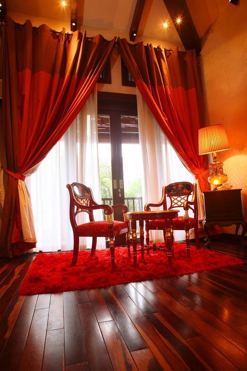 Phòng ngủ hoàng gia cổ điển đắt giá của sao nữ - 9