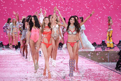 Victorias secret show 2015 gây hụt hẫng vì mờ nhạt - 12
