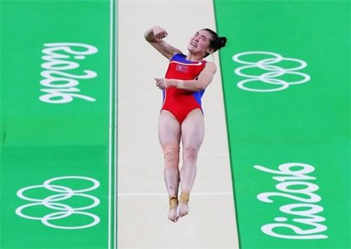 Bức ảnh tự sướng tại olympic có thể mang án tử cho vđv triều tiên - 2