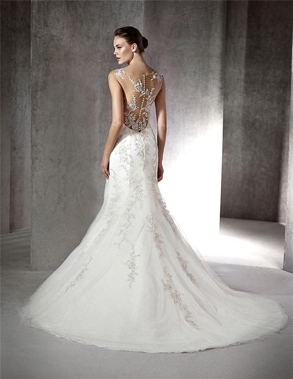 Lóa mắt trước cái đẹp khó cưỡng của những chiếc váy cưới xa hoa - 4