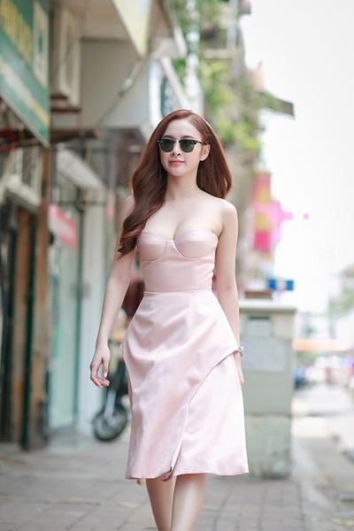 Sao việt quyến rũ với váy áo corset - 2