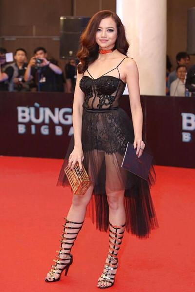 Sao việt xấu đẹp với váy áo corset - 3