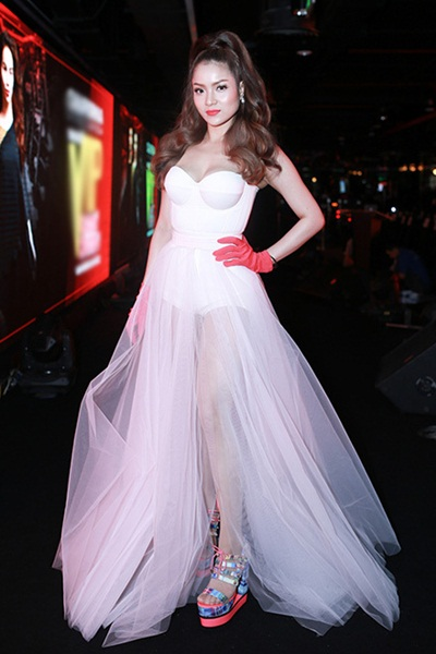 Sao việt xấu đẹp với váy áo corset - 6