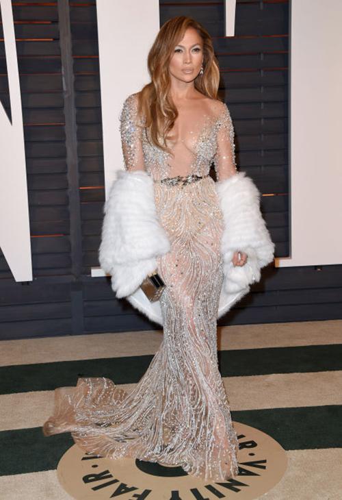 20 chiếc váy khiến sao quốc tế gợi cảm nhất năm 2015 - 1