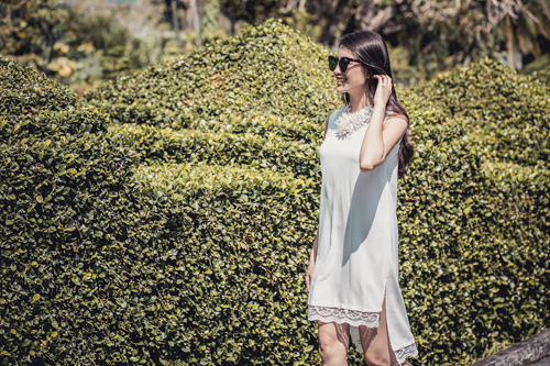 Á hậu lệ hằng gợi ý cách chọn váy suông đẹp và tiện ích - 3