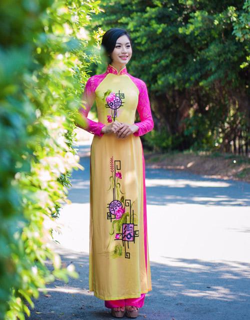 Áo dài tôn đường cong mỹ miều cho thiếu nữ mùa xuân - 2